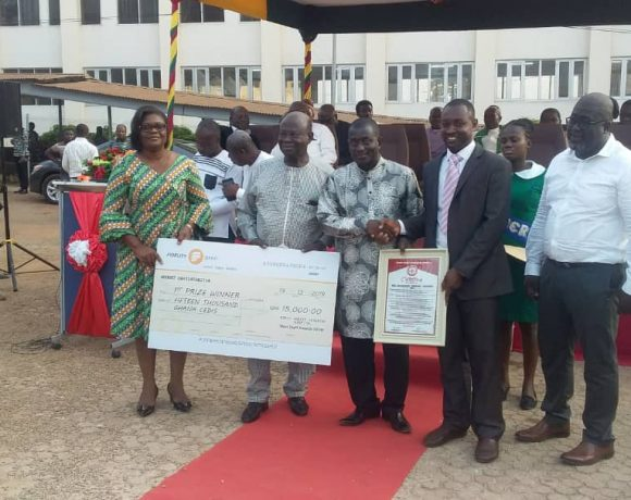 Engineer Emmanuel Wireko Brobby, over all best worker at KATH receiving his award from Dr Oheneba Owusu-Danso, CEO of KATH