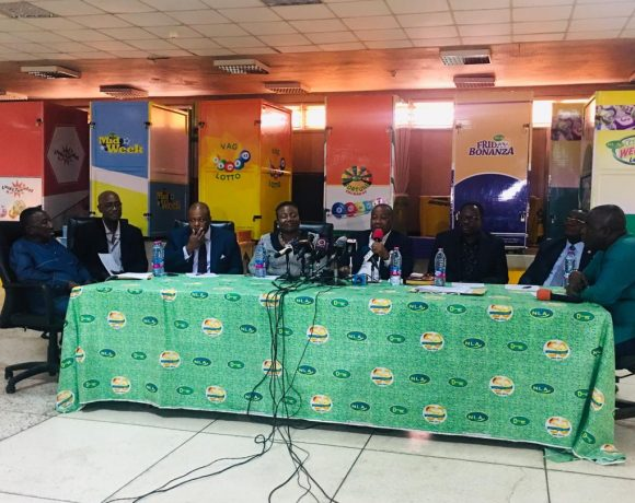 Officials of NLA and GLOA at press conference on Tuesday