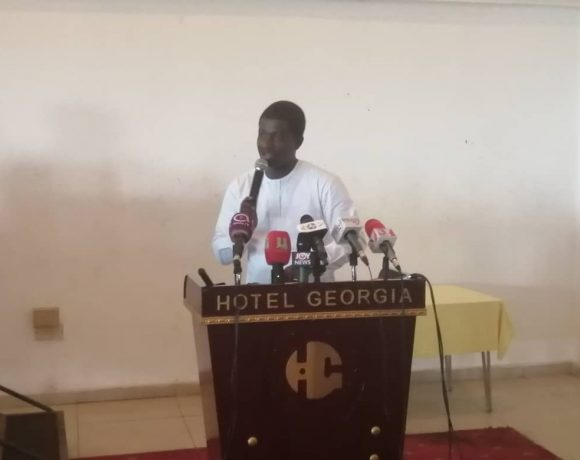David Asante, Convener of Let My Vote Count Alliance addressing the media and NPP supporters at the Georgia Hotel early Wednesday morning.