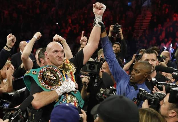 Britain's Tyson Fury became world heavyweight champion for the second time after stopping Deontay Wilder in a thrilling bout in Las Vegas.