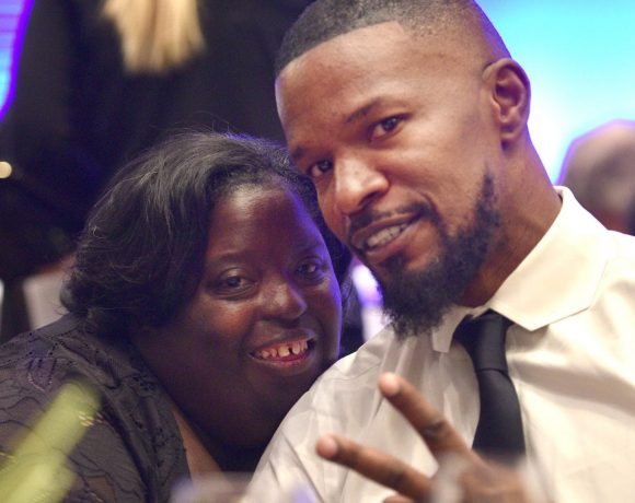"""JAMIE FOXX """"ANGUISHED"""" AFTER SISTER DIES AGE 36"""