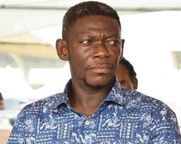 Veteran Kumawood actor Agya Koo has said that at a point in his life he had to sleep under the Kaneshie Bridge for one year because he didn't have