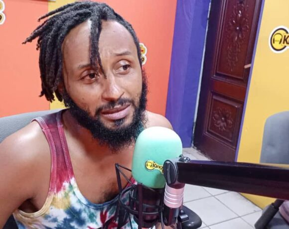 THERE IS NOTHING WRONG AKUAPEM POLOO'S PICTURE WITH HIS SON - WANLOV KUBOLOR