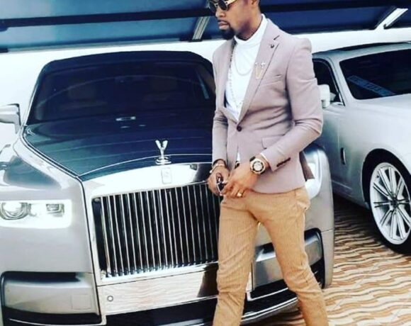"""You are a big fool to say my wealth and money is """"Sika Duro"""" – Rev Obofour fires"""